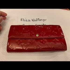 Handbags - Authentic LV Sarah wallet